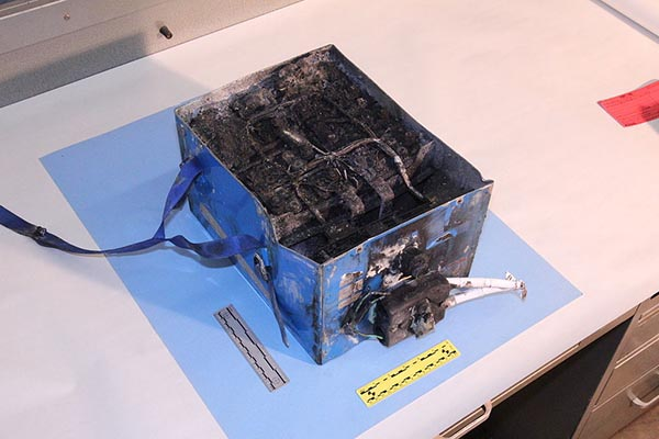 lithium battery boeing fire