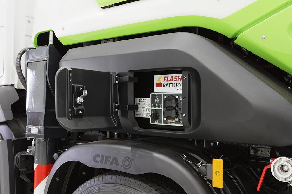 Magnum MK28E Cifa con batteria Flash Battery