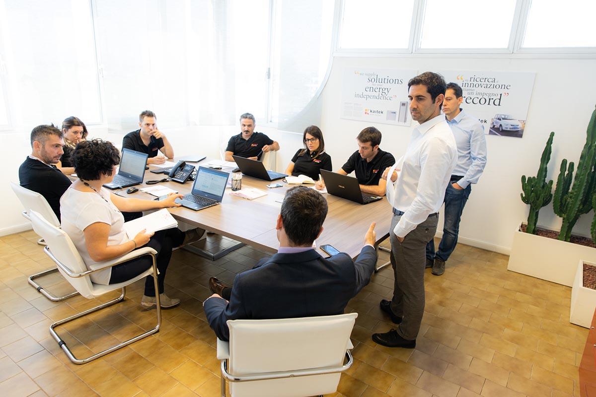 meeting team Flash Battery